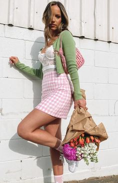Tartan Skirt Outfit, Pink Skirt Outfits, Pink Plaid Skirt, Pencil Skirt Outfits, Pink Gingham, Pretty Outfits, Cute Outfits, Pink Jeans Outfit, Pastel Outfit