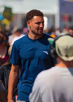 Golden State Warriors player Klay Thompson attends the Verizon IndyCar Series GoPro Grand Prix of Sonoma at Sonoma Raceway on September 17 2017 in. Golden State Basketball, Sonoma Raceway, Nfl 49ers, Black Men, Black Guys, Splash Brothers, Christian Yelich, The Kat, Most Beautiful People