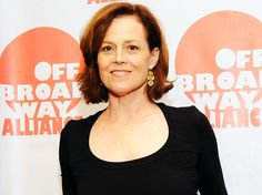 Sigourney Weaver is an alumni of several eminent schools like Sarah Lawrence College, Stanford University, and Yale University. Sarah Lawrence College, James Marsden, Sigourney Weaver, Stanford University, Schools, Famous People, It Cast, Celebrities, Women