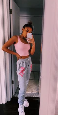 Cute Lazy Outfits, Teenage Outfits, Crop Top Outfits, Teen Fashion Outfits, Sporty Outfits, Girly Outfits, Outfits For Teens, Stylish Outfits, School Outfits