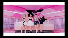 Yg Entertainment, South Korean Girls, Korean Girl Groups, Selena Gomez, K Pop, Looks Teen, Blackpink Video, Black Pink, Black And White Style