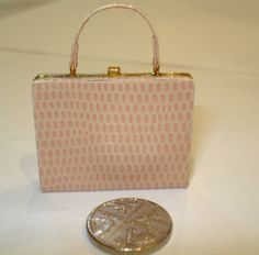 DOLLS-HOUSE-MINIATURE-HANDMADE-LEATHER-LOOK-BRIEFCASE-FOR-DOLLS-HOUSE-SHOP