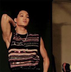 "intokai: ""Kai guns shoot me "" Exo Kai Abs, Kaisoo, Kyungsoo, Exo Songs, Asian Men, Asian Guys, Miss Dior, Kim Jong In, Exo Members"