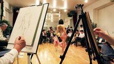 """Cresce o fenômeno dos 'Yaramiso' (virgens aos 30 anos).  Um grupo de homens """"assexuados"""" assiste aulas em um estúdio de Tóquio para se familiarizar com o corpo feminino. Foto AFP / Yoshikazu TSUNO Estamos com medo de fazer sexo?"""