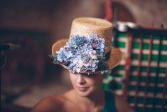 Nectarine Tocados viste a las invitadas de otoño | AtodoConfetti - Blog de BODAS y FIESTAS llenas de confetti