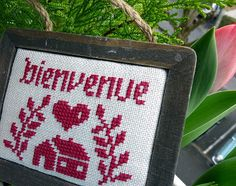 bienvenue Deco, Le Point, Old And New, Welcome, Cross Stitch Embroidery, Album, Creations, Diy Things, Crafty
