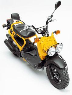 I just need to have this — so badly! Honda Zoomer 2005 Version