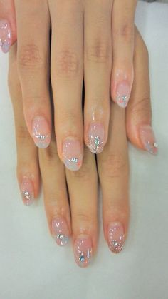 These nails definitely remind me of Elsa [Frozen] !