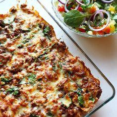Speltlomper kan brukes til alt fra lasagneplater til tacoskjell. Få 12 nye ideer til hva du kan bruke speltlomper til fra flinke Instagrammere! Vegetable Pizza, Quiche, Nom Nom, Clean Eating, Food And Drink, Healthy Recipes, Healthy Food, Snacks, Baking