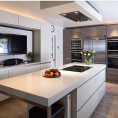 Cred: @cordeliafoxdesign Thank you for sharing ✌️ #kitchen #kitcheninspo #kitchendesign #kjøkken