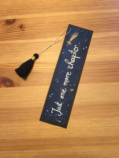 Bookmarks Quotes, Bookmarks For Books, Creative Bookmarks, Diy Bookmarks, Corner Bookmarks, Tassel Bookmark, Bookmark Craft, Bookmark Ideas, Watercolor Bookmarks