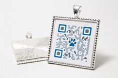 QR Code nella mediaglietta per iI nostro amico a 4 zampe; Lui non si perderà più - - QR Code pet tag!! Both genius & handmade ;-)