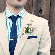 Wildflower Boutonniere // Holly Cromer Photography // Arrington Flowers