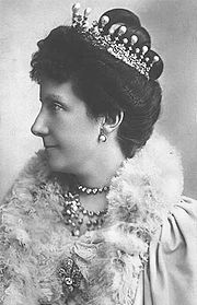 The Infanta Maria de la Paz, third daughter of Queen Isabella II of Spain, wearing a diamond and pearl tiara topped with circa thirteen pear-shaped pearls. She wed her first cousin, Prince Ludwig Ferdinand of Bavaria on 22 January Royal Crowns, Royal Tiaras, Tiaras And Crowns, Queen Isabella, Royal Families Of Europe, Invisible Crown, Spanish Royalty, Spanish Royal Family, Diamond Tiara