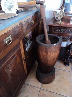 Fotos de  antigo  pilão  de  madeira  de  lei