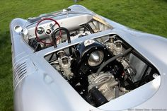 View on the engine of a Porsche 718 RSK Porsche ) Porsche 356, Porsche 911 Classic, Porsche Boxster, Porsche Cars, Motor Engine, Car Engine, Foto Cars, Pretty Cars, Old Race Cars
