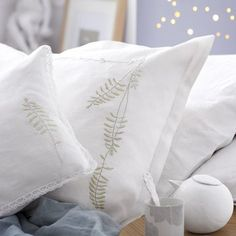 Des taies d'oreiller brodées / Pillowslip embroidered