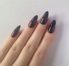 Awesome Black Stiletto nails Nail designs Nail art by prettylittlepolish Matte Stiletto Nails, Pointy Nails, Black Nails, Acrylic Nails, Matte Black, Love Nails, Fun Nails, Nagel Blog, Trendy Nail Art