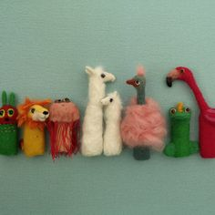 Happy little friends Felt Finger Puppets, Puppet Making, Flamingo, Etsy, Christmas Ornaments, Holiday Decor, Fun, Handmade, Friends