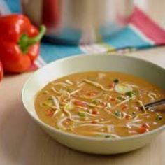 Gevulde Surinaamse pindasoep Healthy Recepies, Healthy Food Choices, Chowder Recipes, Soup Recipes, Good Food, Yummy Food, Fish And Meat, Healthy Slow Cooker, Exotic Food