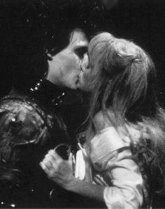 Besos, Kisses. Eduardo Manostijeras