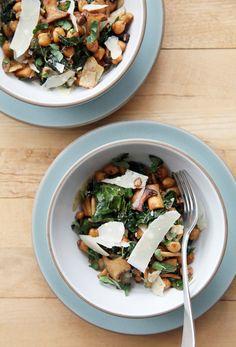 1-Pan Mushrooms, Chickpeas, and Kale
