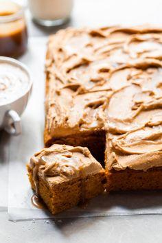 Pumpkin Spice Latte Sheet Cake with Butterscotch Swirl- Easy & Vegan - Crumbs & Caramel Pumpkin Pie Mix, Homemade Pumpkin Puree, Pumpkin Spice Cake, Vegan Pumpkin, Vegan Chocolate Cupcakes, Chocolate Banana Bread, Vegan Cake, Chocolate Chips, Vegan Sweets