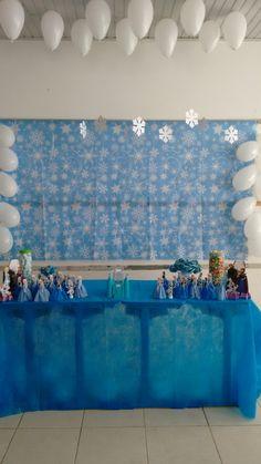 Decoração festa infantil Frozen na escola