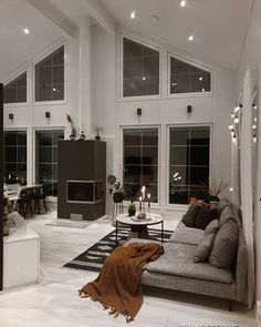 Spacious living room with fireplace and cosy sofa! Living Room With Fireplace, Living Room Decor, Luxury Dining Room, Dining Rooms, Spacious Living Room, Cozy Living, Living Area, Decoration Design, Home Decor Shops
