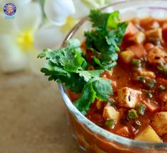 Learn how to make Vegetable Korma - Vegetable Cottage Cheese Curry - A Recipe By Annuradha Toshniwal In this Episode, learn how to make a tasty and nutritiou. Vegetable Korma Recipe, Healthy Foods To Eat, Healthy Recipes, Indian Food Recipes, Ethnic Recipes, Asian Recipes, Gratin Dish, Dried Beans, Pumpkin Soup