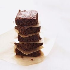 Brownies with just 95 calories/serving? Perfect for crazy chocolate cravings!