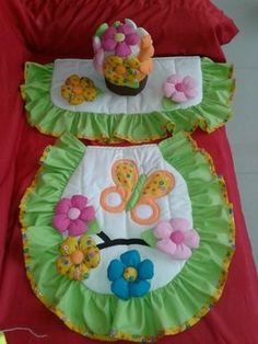 lenceria de baño Funny Baby Shower Cakes, Sewing Projects For Beginners, Projects To Try, Tire Craft, Bubble Guppies Party, Dresden Quilt, Bathroom Crafts, Bathroom Sets, Crochet Accessories