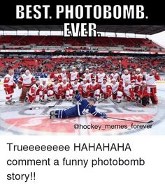 Lanny McDonald creates Classic photobomb Maple Leafs forward crashes Red Wings team photo before Centennial Classic Alumni Game Dec 2016 Funny Hockey Memes, Funny Sports Memes, Sports Humor, Funny Memes, Montreal Canadiens, Lanny Mcdonald, Hockey Rules, Team Pictures, Field Hockey