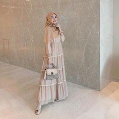 Workwear Fashion, Abaya Fashion, Modest Fashion, Fashion Outfits, Mode Abaya, Mode Hijab, Muslim Dress, Hijab Dress, Moslem Fashion