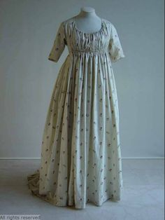 Gown with pattern 1790-1800. Mode museum Antwerp