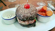 Interesante hamburguesa!!! #DionisioPimiento #Food #Foodie