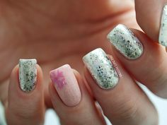 Girly Winter Nails. Products used: H&M Nail Polish in In It For The Game, L'Oreal Nail Polish in Platinum Chic, on ring finger: Maybelline Color Show in Nebline, all over the nails- China Glaze Nail Lacquer in Fairy Dust, and for the snowflake- GOSH Nail Polish in Bubble Gum