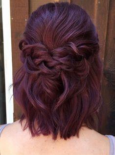 half up half down braided wedding hairstyle for short hair #weddinghairstyles #braidsforshorthair