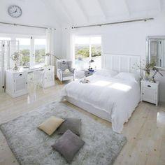 Helles Schlafzimmer von Mainsons du Monde * white bedroom * Wohninspirationen