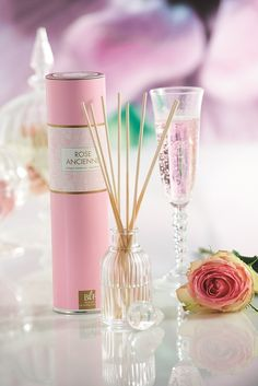 Bougies la Française - Diffuseur de parfum rose ancienne Boudoir.