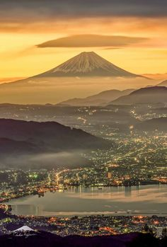 Mount Fuji, Japan - 15 Truly Astounding Places To Visit In Japan Monte Fuji Japon, Beautiful World, Beautiful Places, Fuji Mountain, Mont Fuji, Japan Photo, Nature Pictures, Japan Travel, Belle Photo