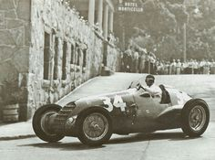 Dick Wharton / Alfa Romeo 308 (1940) During the Grand Prix that happened in Alexandria Bay (New York). The 308 was built in 1938 for the 3 liter class, with power output ranging from around 220 to 300bhp.