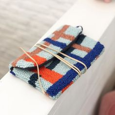 Eva Verbruggen - Textileartist (@hetateliervanevav) • Instagram-foto's en -video's Punch Needle, Crotchet, Dream Life, Creative Inspiration, Handicraft, Weaving, Crafts, Handmade, Diy