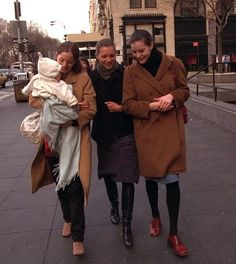 Lucie de la Falaise, Kate Moss, Liv Tyler in New York, February 1997