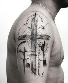 Felipe Padilha cria incríveis tattoos em blackwork que unem diferentes técnicas e estilos. O artista explora de maneira fantástica os traços e sombras.