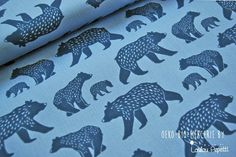 Monaluna is a young brand that produces GOTS certified organic fabrics. The design of the collections is graphic and modern and inspired by nature. * Collection Simple Life. * Bear Family patterns / bear family Light blue background, were and medium blue bears, bear patterns *