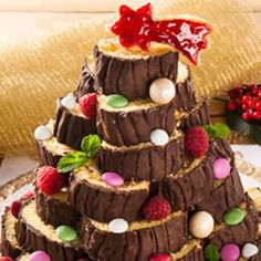 Rotolo di Natale Christmas Deserts, Christmas Goodies, Christmas Time, Xmas Food, Christmas Cooking, Nutella, Super Torte, Plum Cake, Sweet Cakes