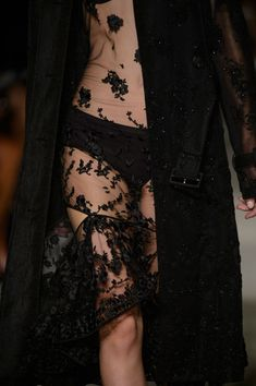 Givenchy, Spring 2016 - The Prettiest Runway Details of Spring 2016 - Photos