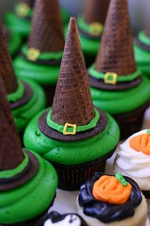 Can't have Halloween witches without hats!  Tips of chocolate waffle cones make the tips of these adorable cupcake toppers!