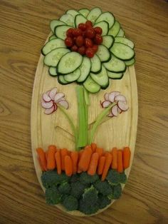 What a nifty vegetable tray for spring and summer get~togethers